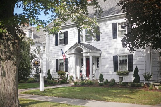 Bragdon House Bed and Breakfast