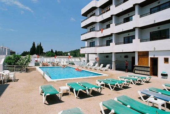Piscina picture of laura s atalaya ibiza tripadvisor for Piscina san anton