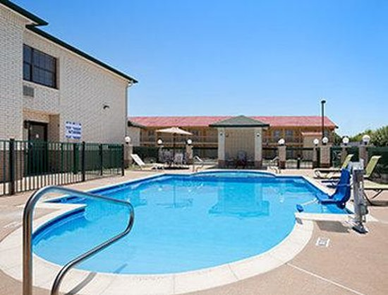 Dallas Days Inn Farmers Branch