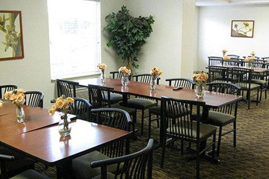 Photo of Extended Stay America - Kansas City - Overland Park - Metcalf