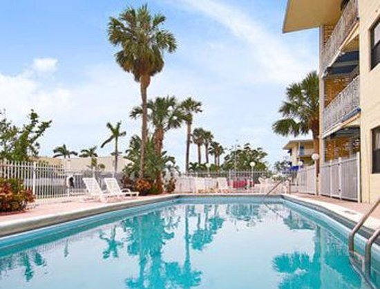 Travelodge Fort Lauderdale Hotel