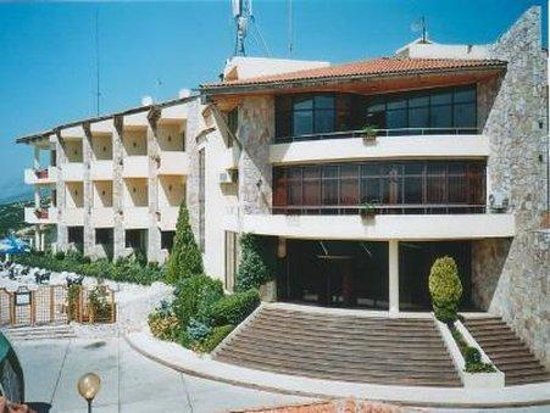 Photo of Chateau Linza Hotel Tirana