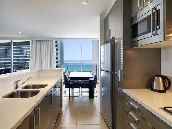 Photo of Meriton Serviced Apartments - Broadbeach