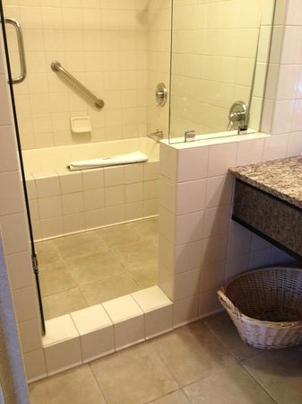 Deep Tub And Shower Combo Picture Of Hotel Kabuki A Joie De Vivre Hotel S