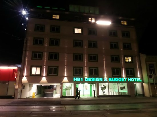 Ingresso picture of hb1 design budget hotel wien for Wine and design hotel vienna