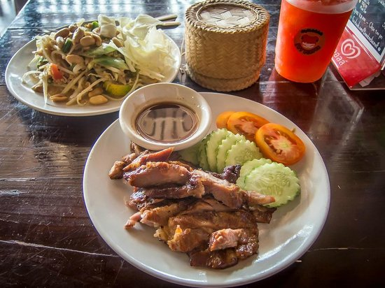 BBQ Chicken, Somtam and Sticky Rice at Barrab, Chiang Rai