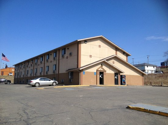 Photo of Super 8 Motel St. Clairsville Saint Clairsville