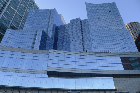 InterContinental Boston: Front view facing the city