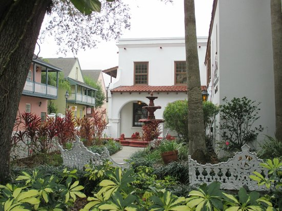 courtyard where we had breakfast picture of st george. Black Bedroom Furniture Sets. Home Design Ideas