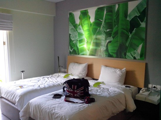 deluxe room picture of eden hotel kuta bali kuta. Black Bedroom Furniture Sets. Home Design Ideas