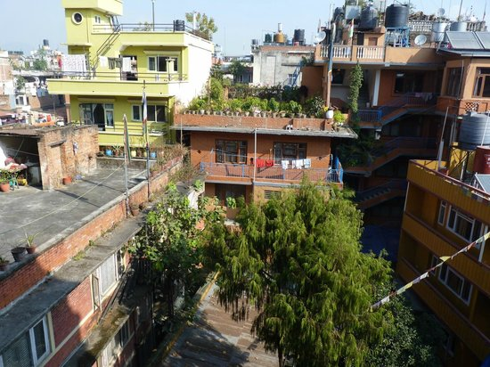 Mount Annapurna Guest House: View over Thamel (4. floor)
