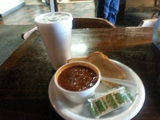 Temperanceville, VA: Homemade chili and grilled ham and cheese lunch special
