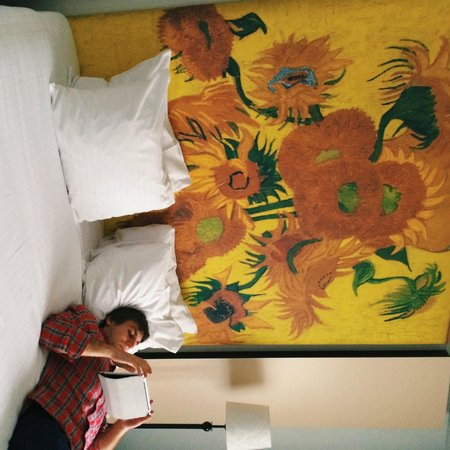 WestCord Art Hotel Amsterdam: Authentic Van Gohg in our room!