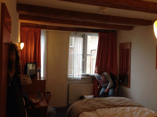 Rokin Hotel: Our room