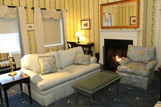 The Omni Homestead Resort: Living room of executive suite