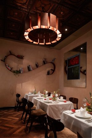 Chef alex picture of g7 private dining hong kong for Best private dining rooms hong kong