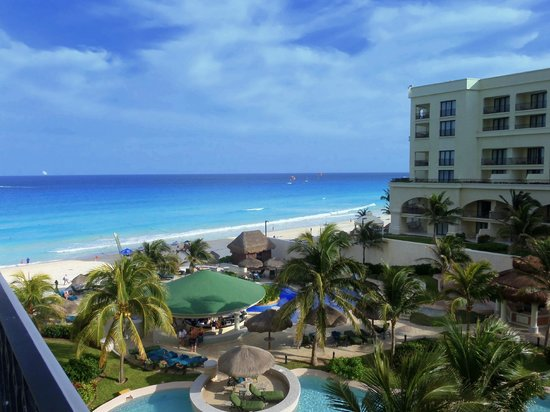 JW Marriott Cancun Resort and Spa: view  of some pools and bars from my balcony