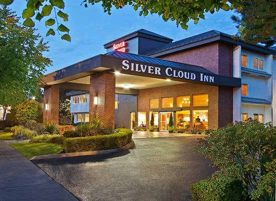 ‪Silver Cloud Inn - University‬
