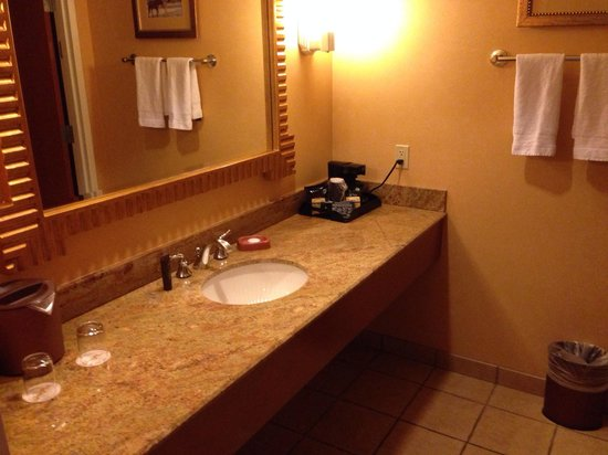 South Point Hotel, Casino and Spa: Sink area.