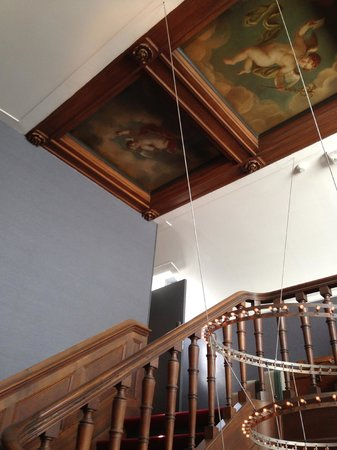 Museum of Bags and Purses: Going up the staircase in the canal house