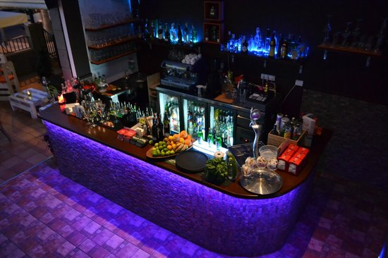 Ohana chill out bar picture of costa adeje tenerife for Food bar ohana