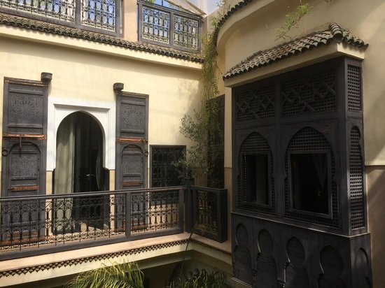 Riad Ambre et Epices: View from outside our room