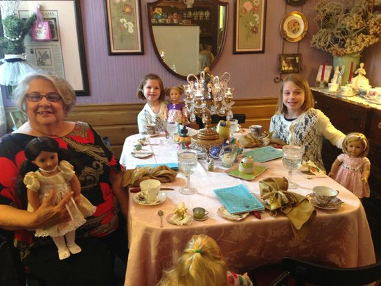 Emerald Necklace Inn: Tea Party with the dolls!