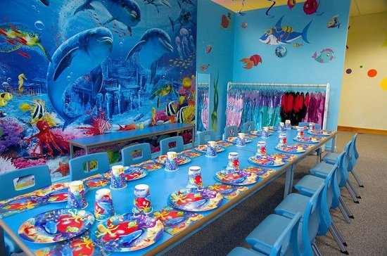 Princess tea party room at kids 39 n 39 action picture of kids for Kids party rooms in el paso tx