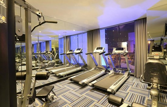Holiday Inn Rooms Fitness Room at Holiday Inn