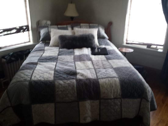 Chambre photo de au virage b b magog tripadvisor for Belle chambre atlanta ga