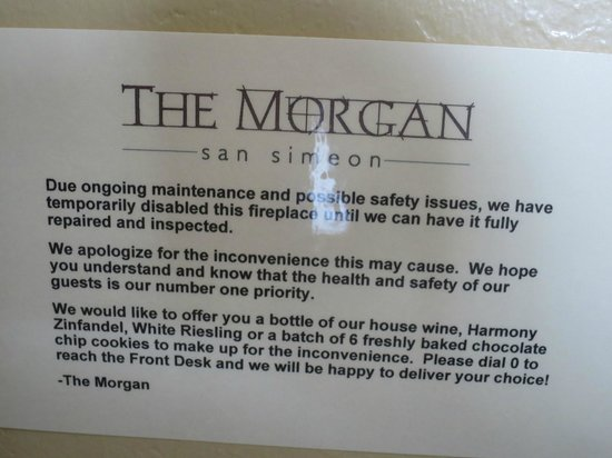 The Morgan at San Simeon - A Broughton Hotel: Fireplace only looks good, not functioning