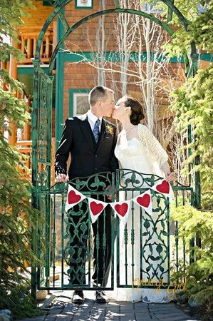 Tie The Knot In The Beauty Of Canmore S Playground A Bear Amp Bison Country Inn Picture Of A