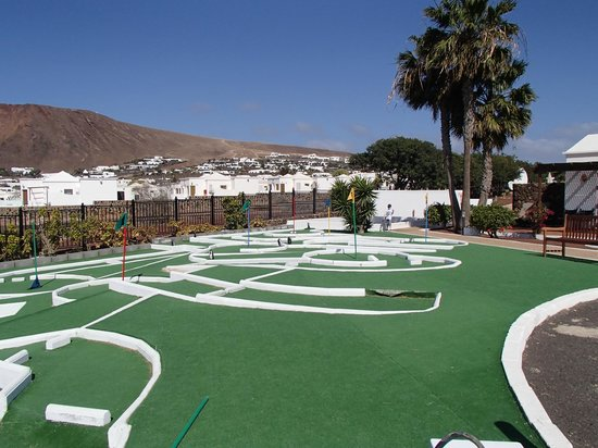 Mini golf picture of jardines del sol playa blanca for Jardines del sol