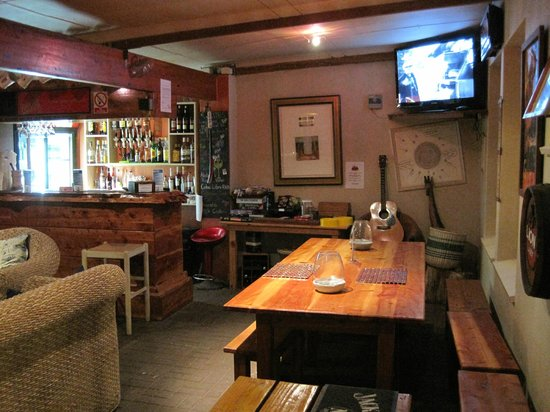 Nothando Backpackers Lodge: Bar