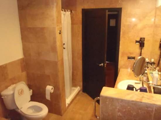 salle de bain coin douche photo de catalonia bavaro beach casino golf resort punta cana. Black Bedroom Furniture Sets. Home Design Ideas