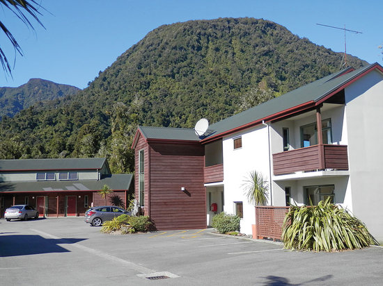 Photo of Punga Grove Motel & Suites Franz Josef