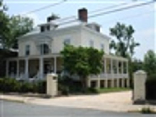 Photo of 200 South Street Inn Charlottesville