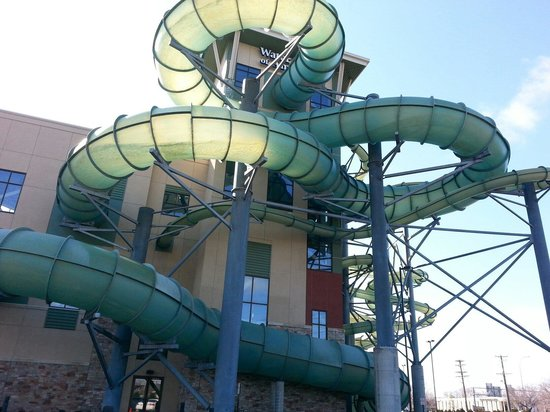 Minneapolis Hotels With Waterslides Near Mall Of America
