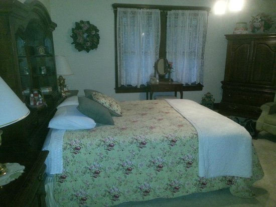 Photo of The Baker House Bed & Breakfast Coalinga