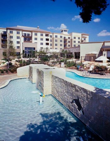 Hilton San Antonio Hill Country Hotel & Spa