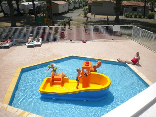 Espace piscine picture of camping bosc d 39 en roug saint for Piscine avec toboggan paris