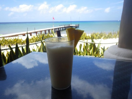 Occidental Grand Cozumel: Beach Restaurant great food and drinks with a view!