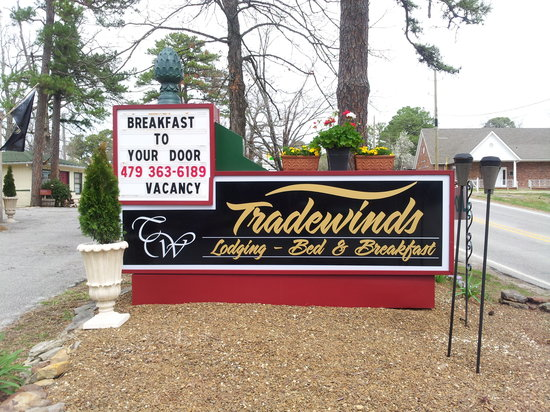 TradeWinds Lodging & BnB