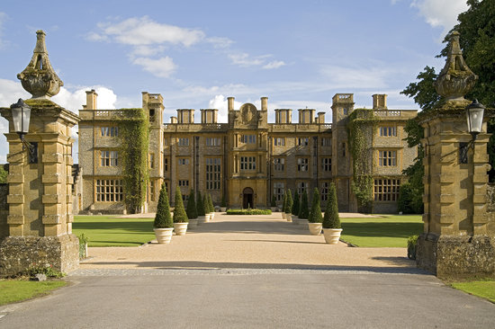 ‪Eynsham Hall‬