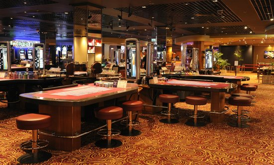 The vic casino poker room