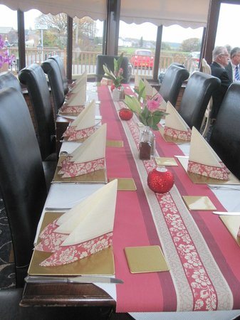 St Helens, UK: Beautiful tables