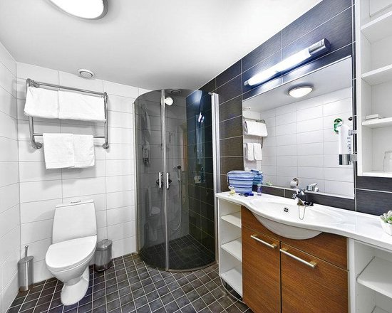 Superior Twin Bathroom - Picture of BEST WESTERN Hotel Rantapuisto ...