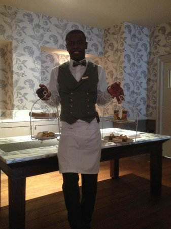 The Kensington Hotel: George the waiter - excellent customer service provided by him