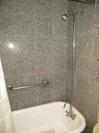 Old Fashioned Clawfoot Tub And Shower Very Good Picture Of O 39 Brien His