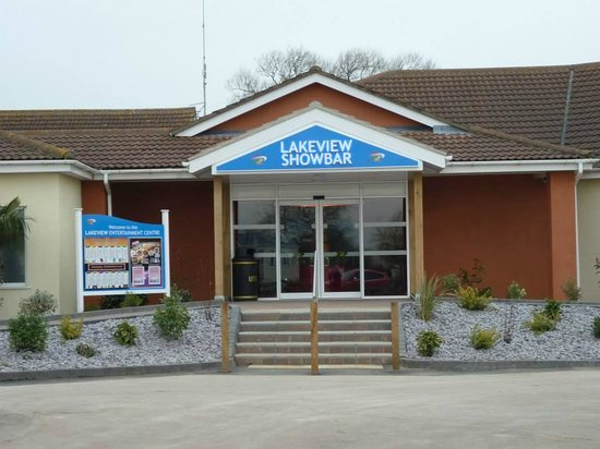 Lakeview Showbar Arcade Picture Of Southview Leisure Park Park Resorts Skegness Tripadvisor